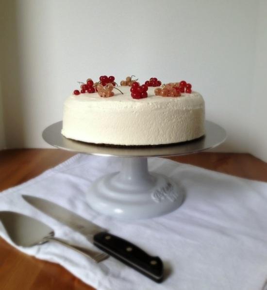 Currant Cream Cake